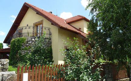 Štýlový domov so Saunou a krásnou Záhradou