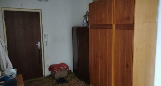 Ponúkame na predaj veľký 3 izb. byt vo Veľkom Krtíši.