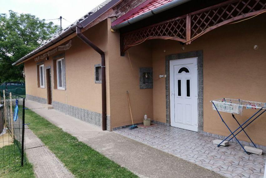 Predaj Rodinné domy Žemliare-1