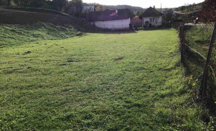 Vysporiadaný stavebný pozemok / udržiavaná záhrada 4609 m2 na predaj - Valkovce, 9 km od Giraltovce, okres Svidník.