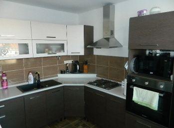 PRENAJMEME 2-izb.kompletne prerobený byt v Seredi