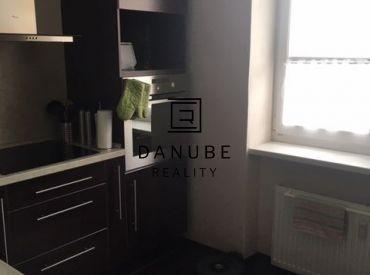 Predaj 1-izbový byt s balkónom v Bratislave Novom meste, neďaleko OC Vivo(Polus).