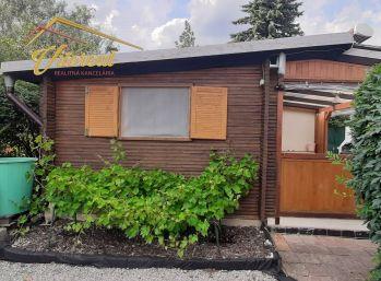 REZERVOVANÉ  -  Na predaj záhrada s chatkou Na Kalvárii
