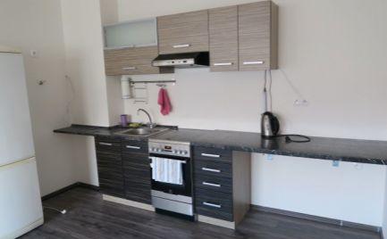 Ponúkame do prenájmu 2 izbový nezariadený byt v novostavbe, na Starorímskej ulici v Rusovciach.