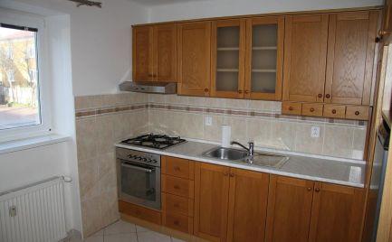 Ponúkame na predaj veľký 2 izbový byt na ul. Jesenského v Dunajskej Strede.