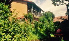 Zemplínská Šírava - poschodová murovaná chata na predaj