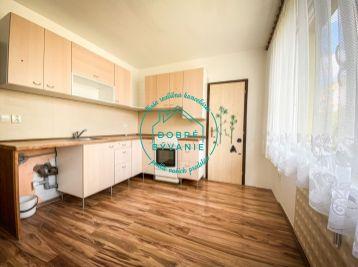 Exkluzívne na predaj 2 izbový byt s balkónom na sídlisku Juh