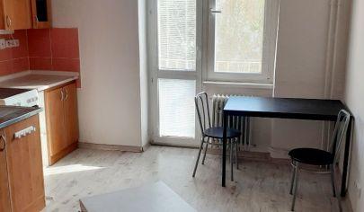 Na prenájom 1,5 izbový byt s balkónom v úplnom centre Malaciek