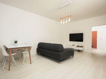 Zariadený 2 izbový byt 61 m2 Piešťany, Waltariho, loggia + garáž. státie – komplet rekonštrukcia