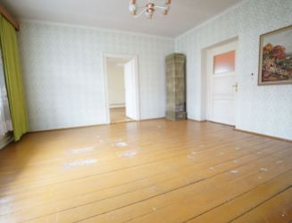 Veľkometrážny tehlový 3 izbový byt so záhradkou na predaj v priamom centre Martina