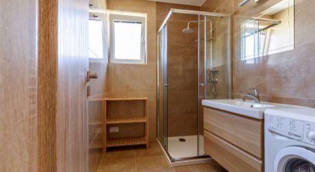 Útulný ,moderný zariadený 2- izbový byt na Hlavnej ulici v Rovinke