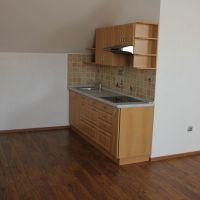 Garsónka, Zlaté Moravce, 41 m², Kompletná rekonštrukcia