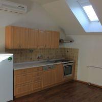 1 izbový byt, Zlaté Moravce, 88 m², Kompletná rekonštrukcia