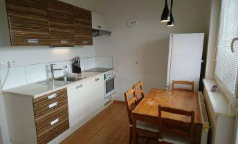 Priestranný a slnečný 1i byt na prenájom + LOGGIA