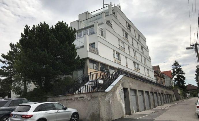 BA I Staré Mesto Tajovského Horský park predaj 132,99 m2 nebytového holo obchodno kancelárskeho priestoru č.2.