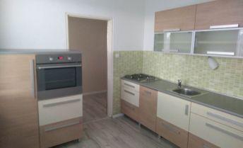 2,5-izbový slnečný byt v centre mesta Partizánske