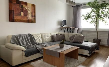 ZNÍŽENÁ CENA! - Predaj 4 izbového bytu po kompletnej rekonštrukcii v Bratislave na Studenej ulici