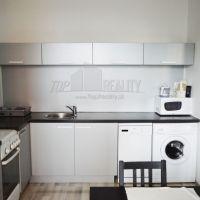 3 izbový byt, Bratislava-Karlova Ves, 750 m², Čiastočná rekonštrukcia