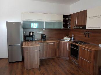 Prenájom zrekonštruovaného 3.izb bytu v Nitre v úplnom centre