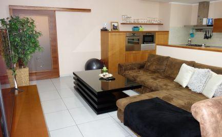 Na prenájom: Luxusný 4- izbový byt 113 m2 + 3x balkón + 2x park. miesta, vlastné kúrenie v Trenčíne časť Pod Sokolice