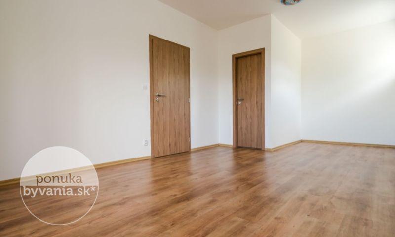 ponukabyvania.sk_Skalická cesta_3-izbový-byt_BARTA