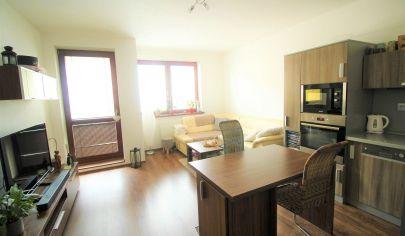 2 izbový zariadený byt s balkónom v centre mesta Malacky
