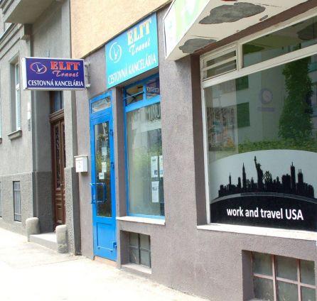 StarBrokers – PREDAJ : Obchodné priestory s výkladom, 55 m2, Mýtna, Staré Mesto