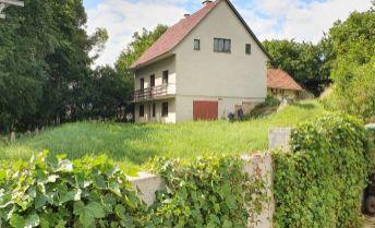 Rodinný dom s veľkolepým  pozemkom v obci  Nemečky!
