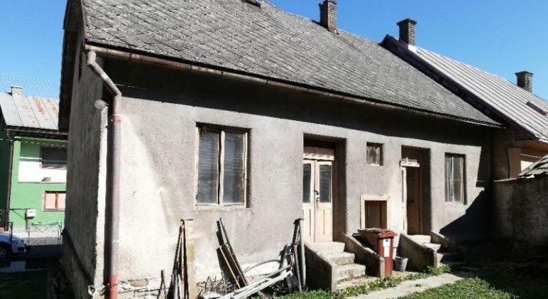 Rodinný dom v centre mesta vhodný na rekonštrukciu, na predaj -  Tisovec, Okres RS.