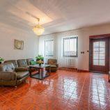 Na predaj priestranný 5 izbový mezonetový byt v terasovitej zástavbe v Dúbravke