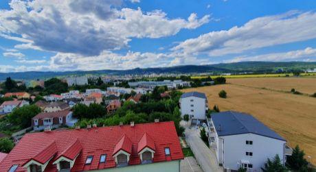 360 ° NA PREDAJ 3 izb. slnečný byt v Rači s panoramtickým výhľadom na Malé Karpaty