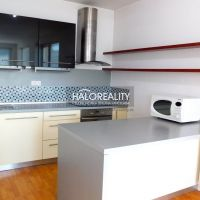 5 a viac izbový byt, Bratislava-Dúbravka, 168 m², Čiastočná rekonštrukcia