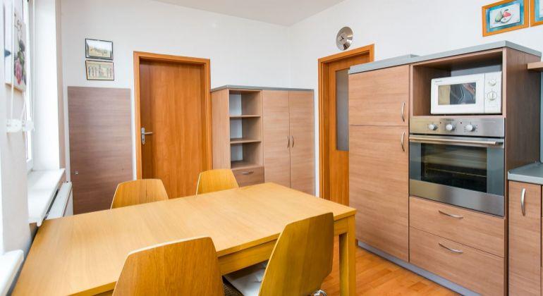 1 izbový byt s veľkým balkónom v Bratislave - Petržalke