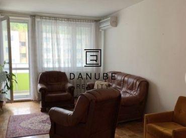 Prenájom 4-izbový byt s parkovacím miestom v Bratislave-Dúbravke na Klimkovičovej ulici.