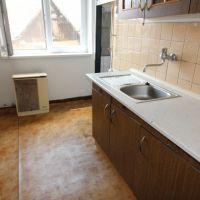 3 izbový byt, Lukačovce, 65 m², Čiastočná rekonštrukcia