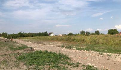 POSLEDNÉ 3 POZEMKY: Pozemky pre rodinné domy - Masníkovo (iba 30km do Bratislavy)