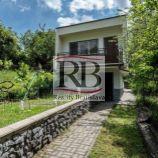 Ponúkame na predaj záhradu so záhradnou chatkou v lokalite Dolné Krčace v Karlovej Vsi