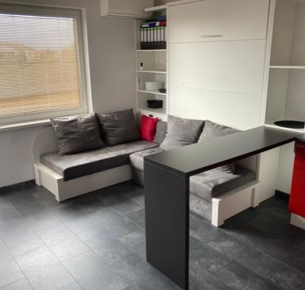2 izb. byt, novostavba, balkón, park. státie, kompletne zariadený