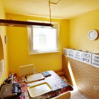 3 izbový byt, Komárno, 69 m², Čiastočná rekonštrukcia