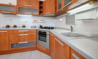 Ponúkame na predaj 1 izbový byt  v novostavbe, Piniova ulica