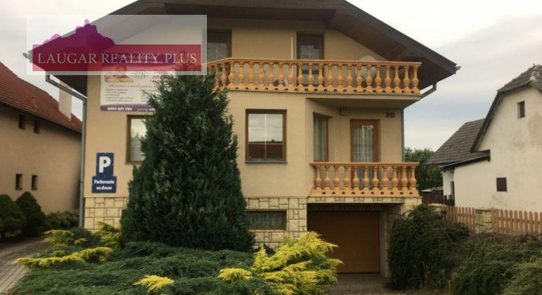 Rezervované Rodinný dom + hospodarska budova Borčice