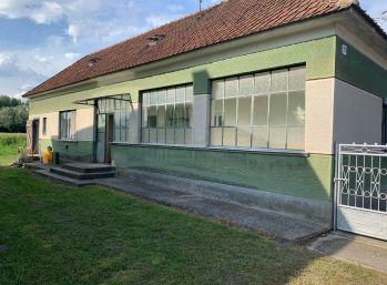 Predaj 2.izb. rodinného domu v pôvodnom stave na 8,76á pozemku v obci Mad