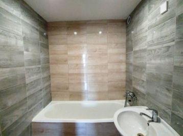 FIĽAKOVO - 4-i byt 75 m2 - čiastočná rekonštrukcia, LOGGIA
