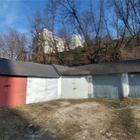 Garáž hromadná, Hlohovec, 54 m², Pôvodný stav