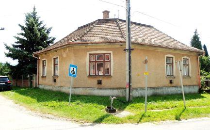 MAĎARSKO - GONC 4 IZBOVÝ RD V POVODNOM STAVE V LUKRATÍVNEJ ČASTI OBCE