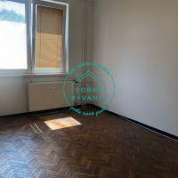 4 izbový byt, Nové Zámky, 81 m², Čiastočná rekonštrukcia