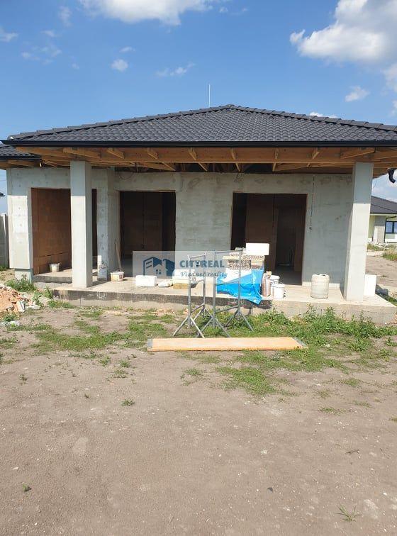 Rodinný dom-Predaj-Andovce-1.00 €