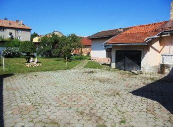 FIĽAKOVO - 4-i dom,pozemok 750m2, čiastočná rekonštrukcia