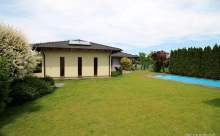 Nadštandardný rodinný dom s bazénom v Zálesí