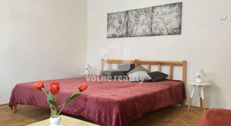 ** PRENAJATÉ ** - 1 izbový zariadený byt, Trenčín, SIHOŤ1, ulica Martina Rázusa